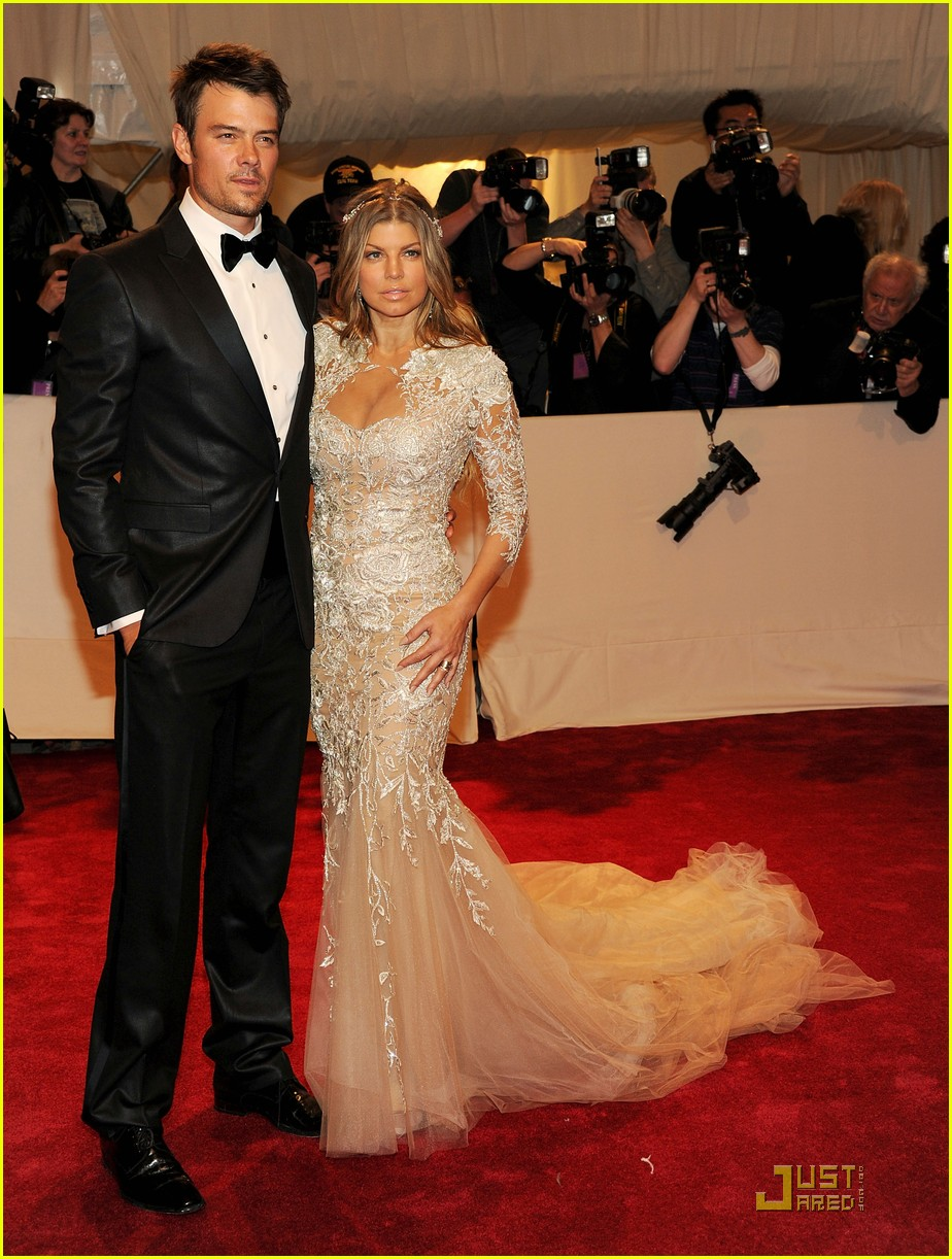 fergie josh duhamel met ball 2011 05