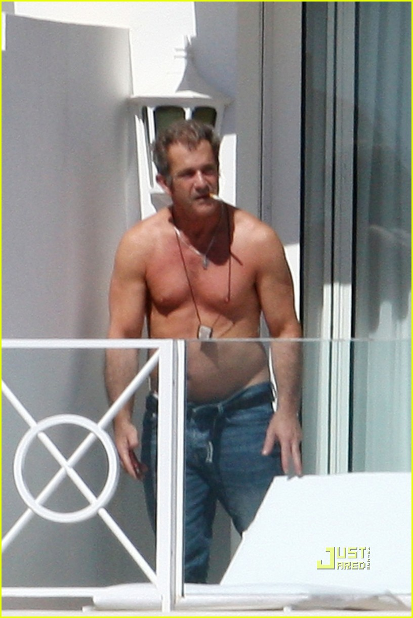 mel gibson shirtless cannes 03