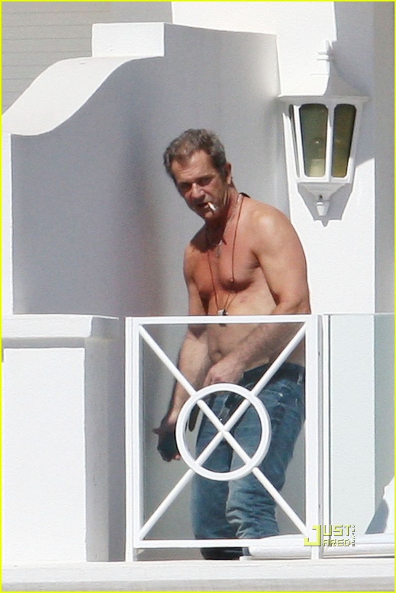 mel gibson shirtless cannes 04