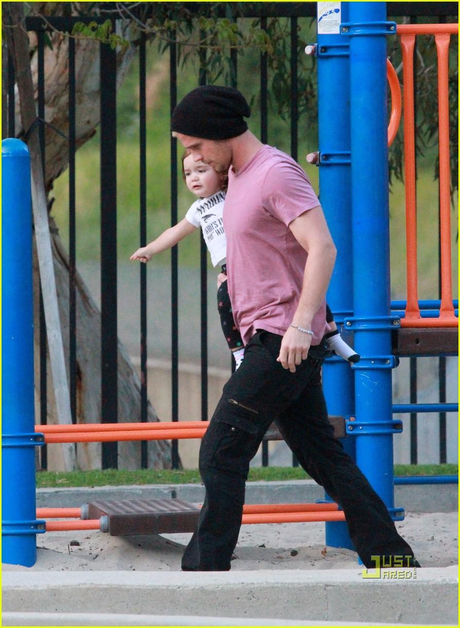 cam gigandet playground everleigh 11