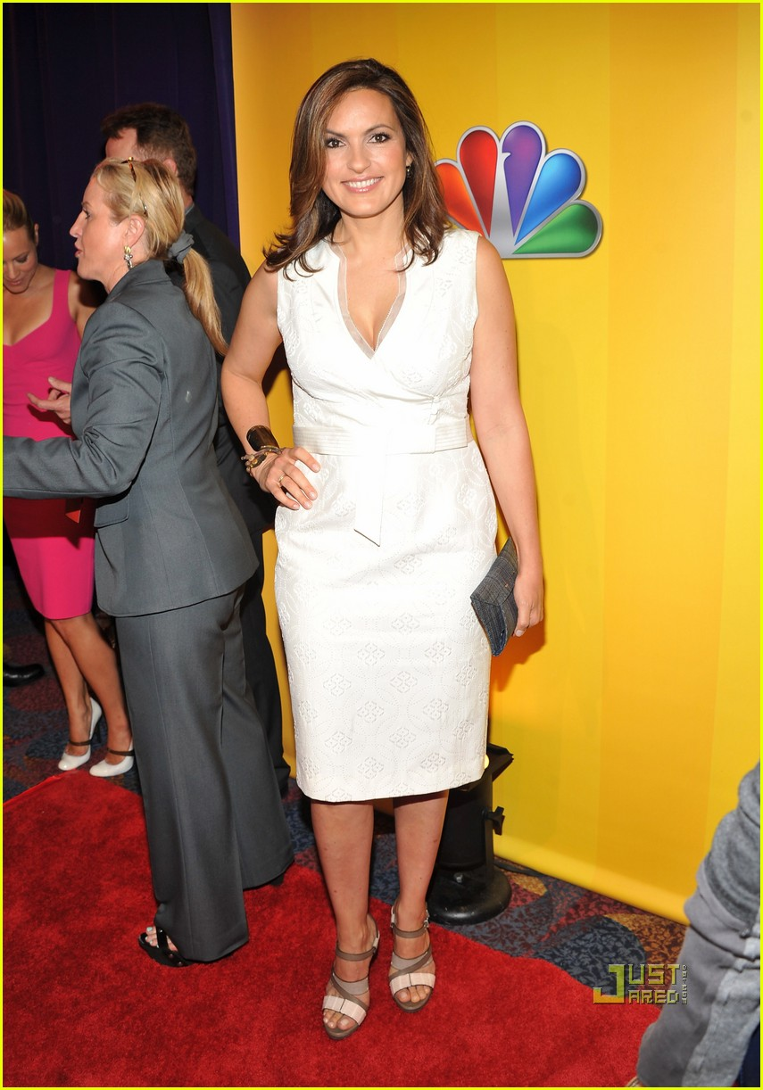 mariska hargitay too big to fail nbc upfronts 02