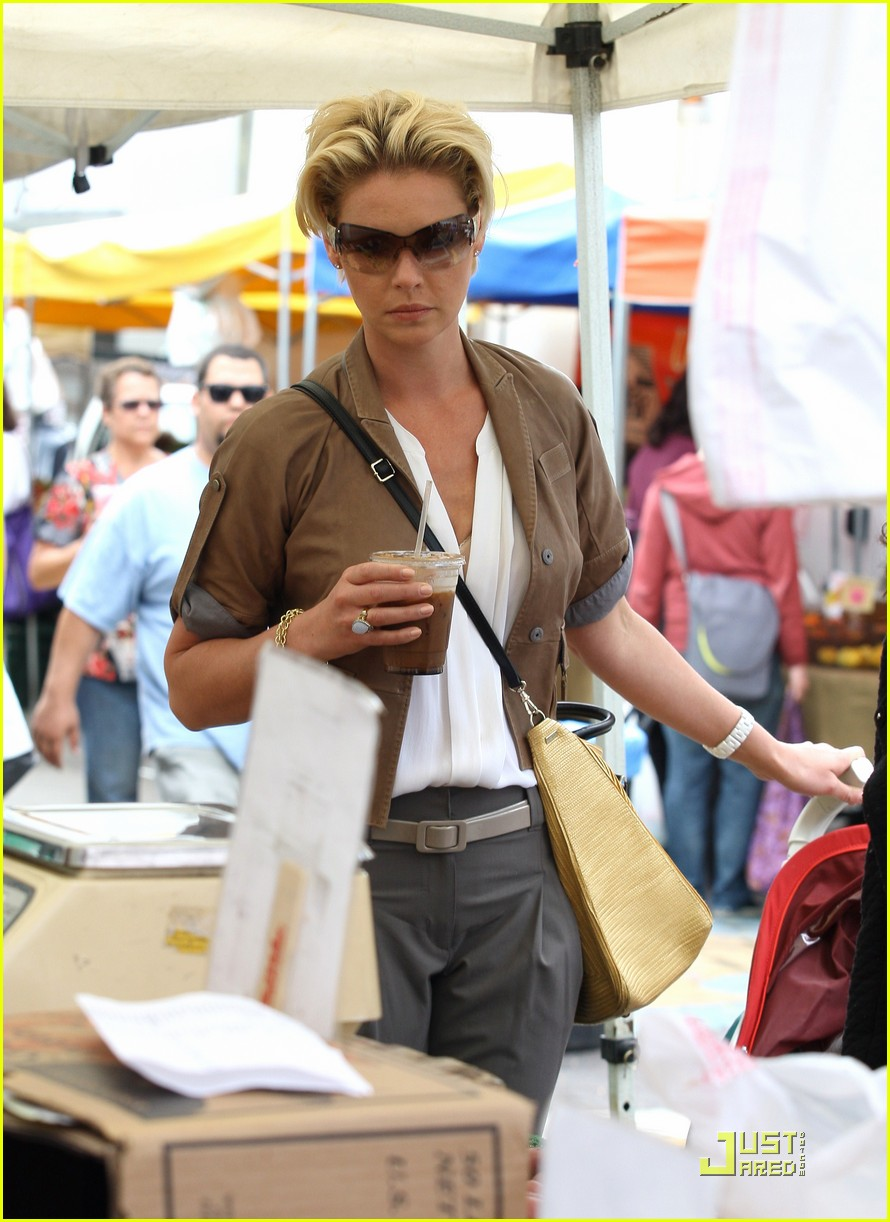 katherine heigl farmers market with naleigh and josh kelley 03