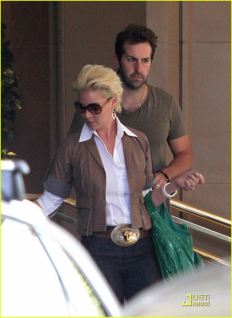 katherine heigl lunch with josh kelley and mom 03