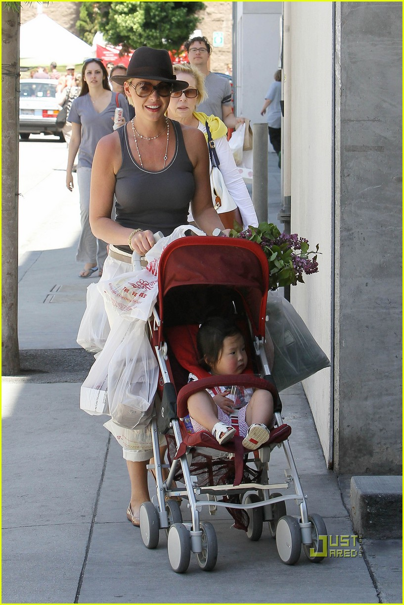 katherine heigl nancy farmers market 03