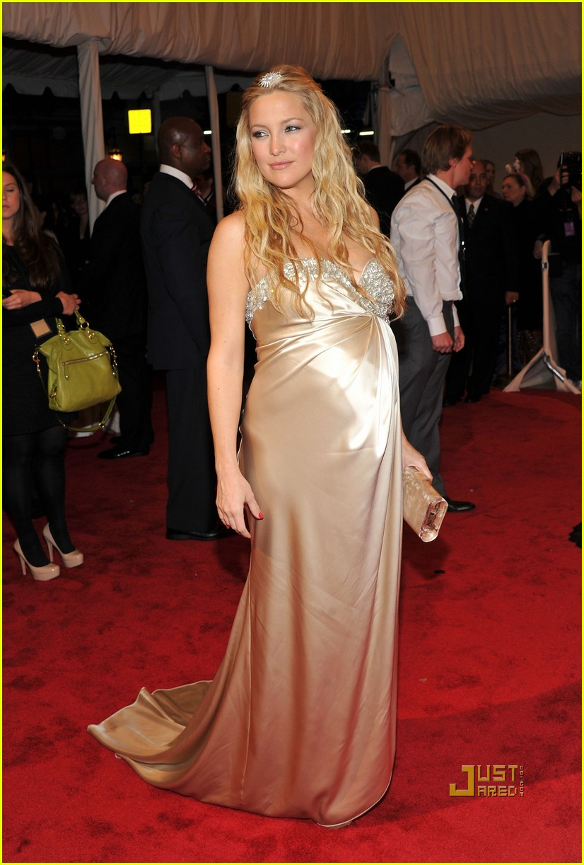 kate hudson met ball 2011 01 09