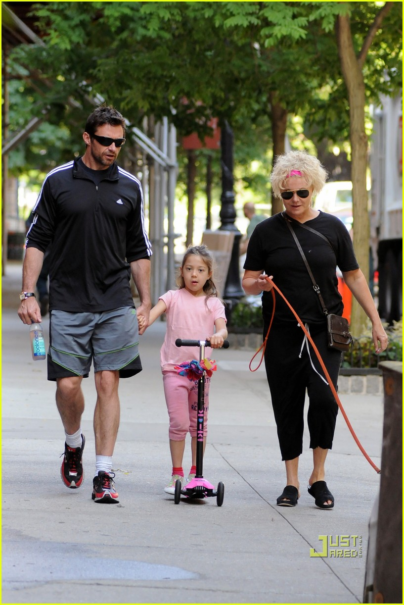 hugh jackman ava scooter nyc deborra lee furness 01