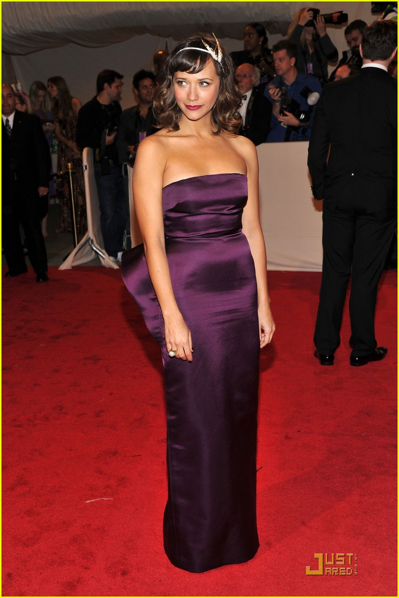 rashida jones alexa chung met ball 2011 02