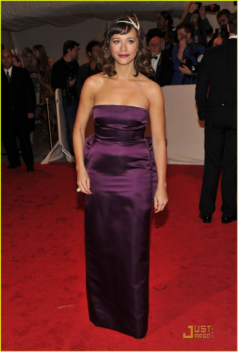 rashida jones alexa chung met ball 2011 04