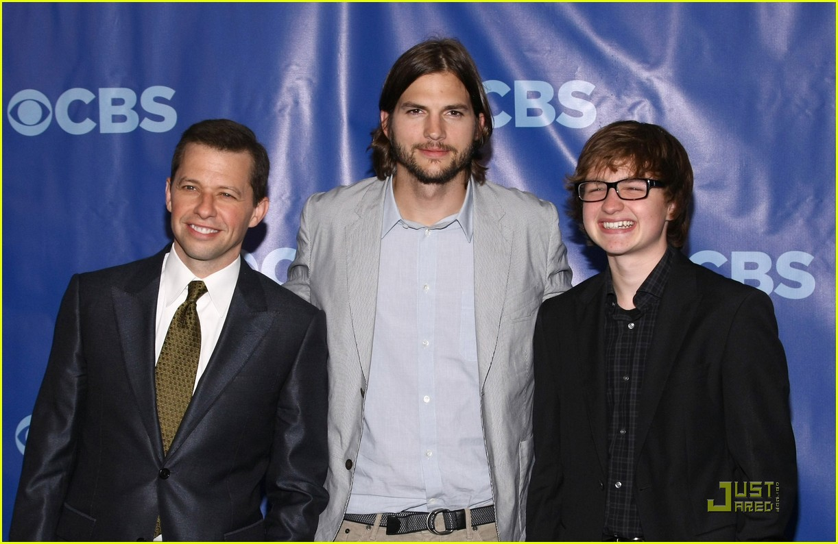 ashton kutcher two and a half men new cast 012545207