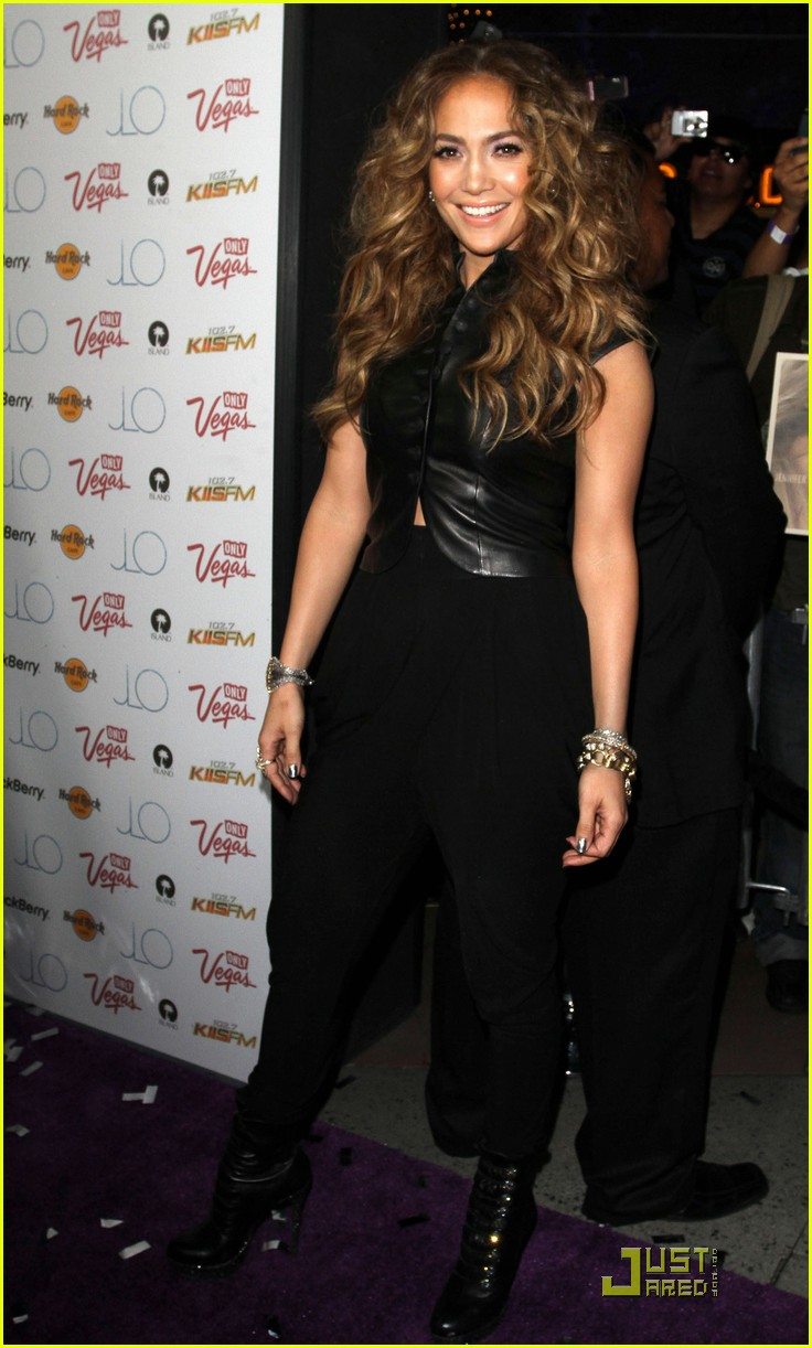 jennifer lopez love cd signing 14