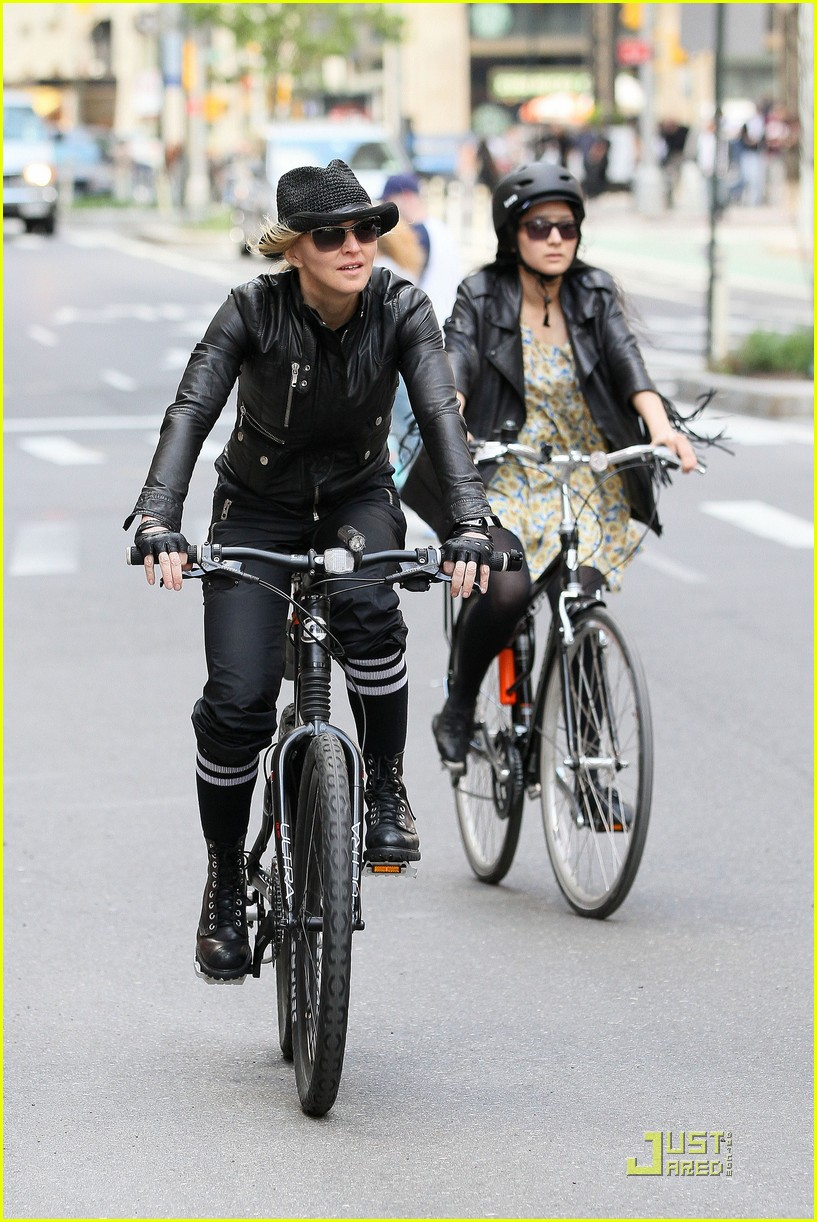 madonna big apple bike 02