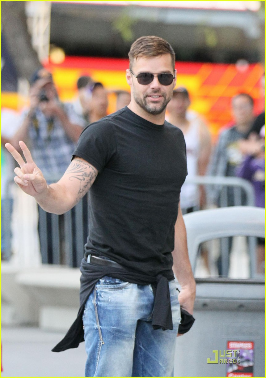 ricky martin tonight show 05
