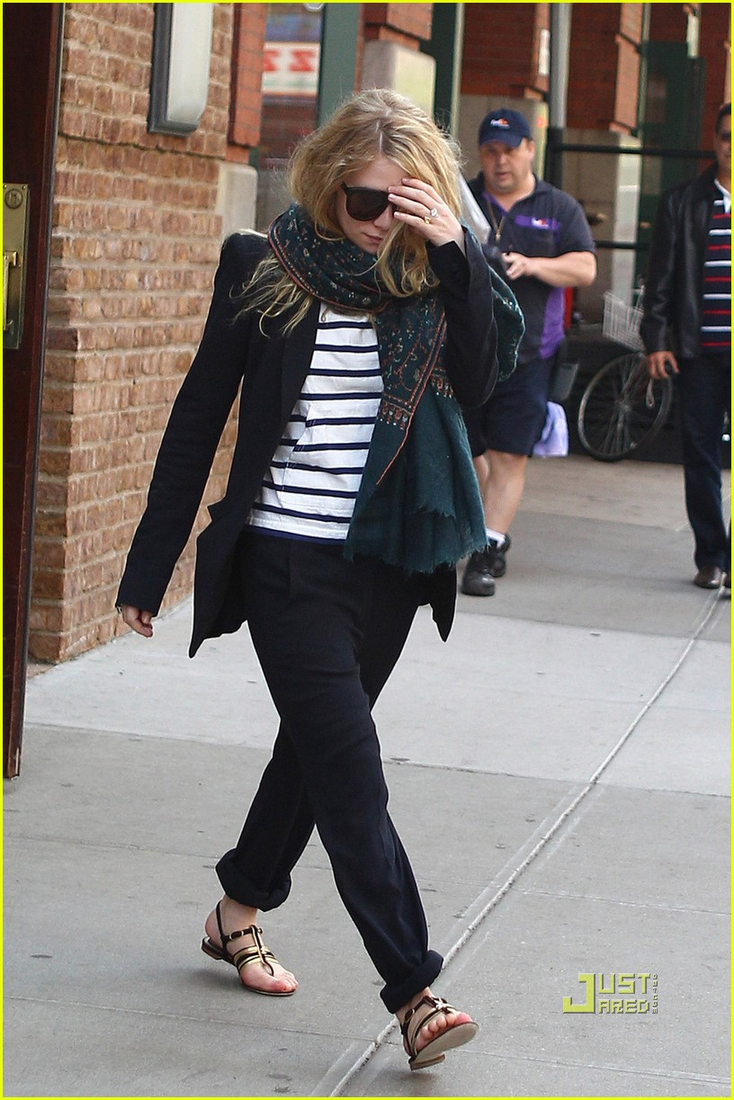 mary kate ashley olsen hotel 06