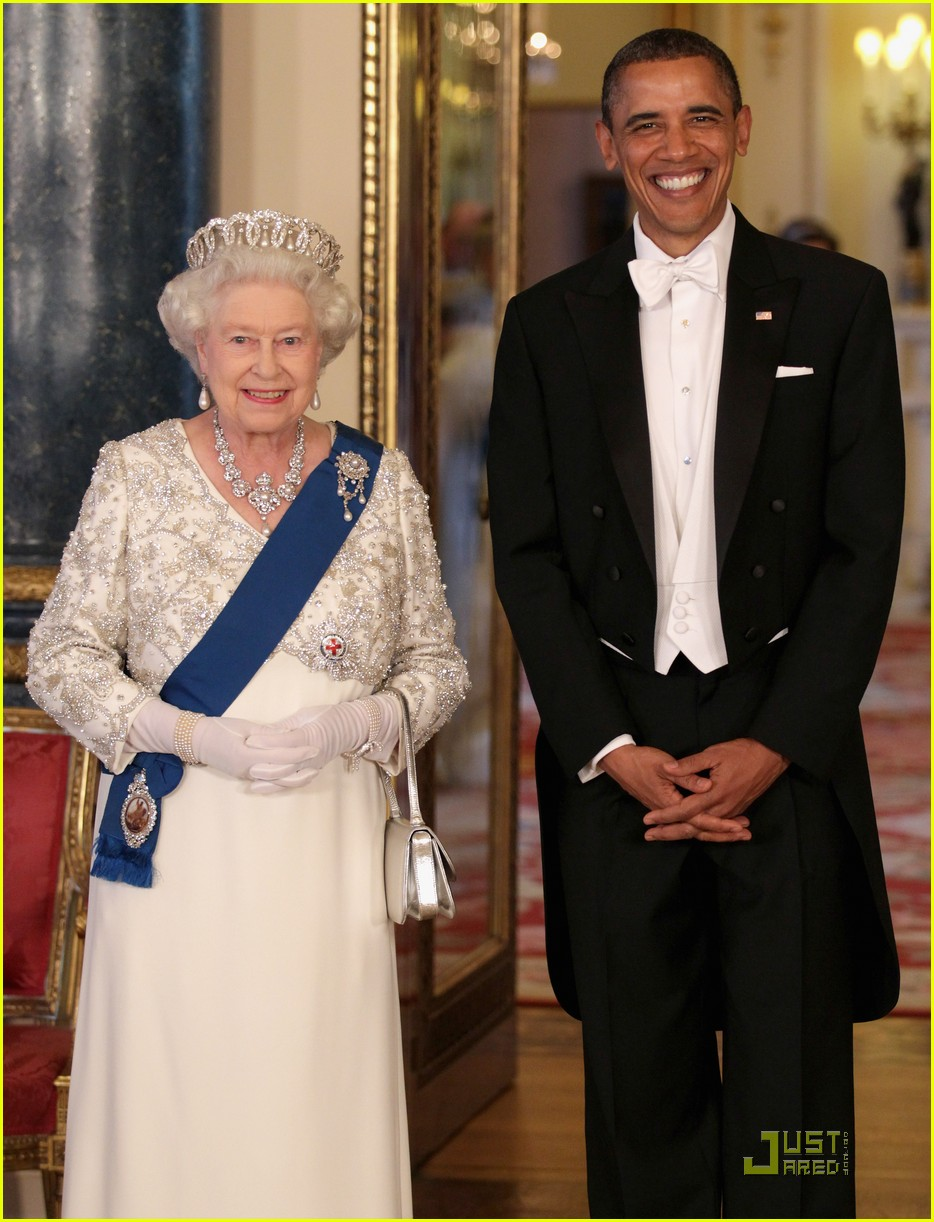 barack michelle obama queen elizabeth state dinner 05