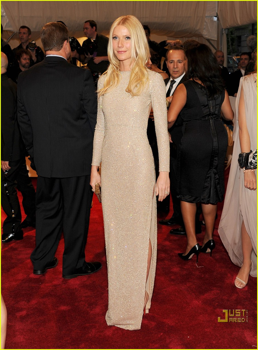gwyneth paltrow met ball 2011 02
