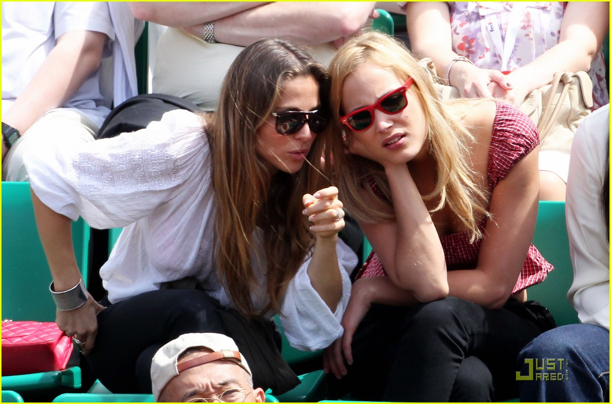 elsa pataky french open with nora arnezederr 05