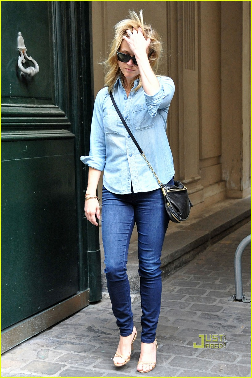 reese witherspoon chambray shirt paris 01 Reese Witherspoon