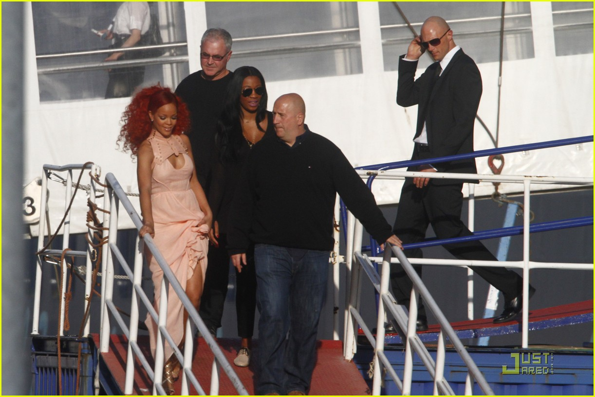 rihanna nivea cruise germany 06