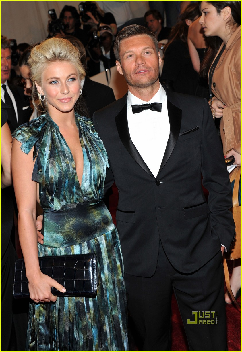 ryan seacrest julianne hough met ball 2011 02
