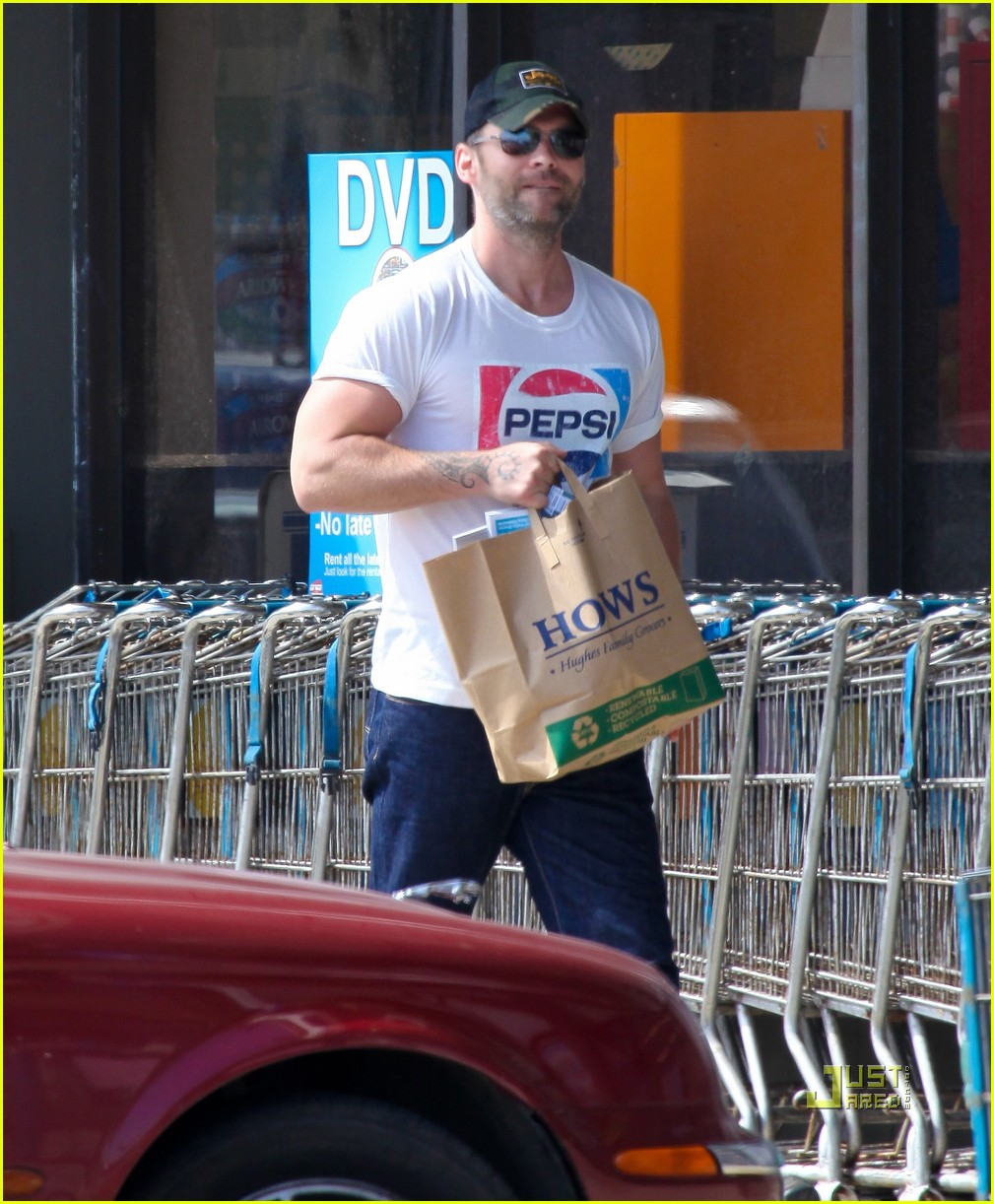 seann william scott pepsi shirt grocery store 052541735