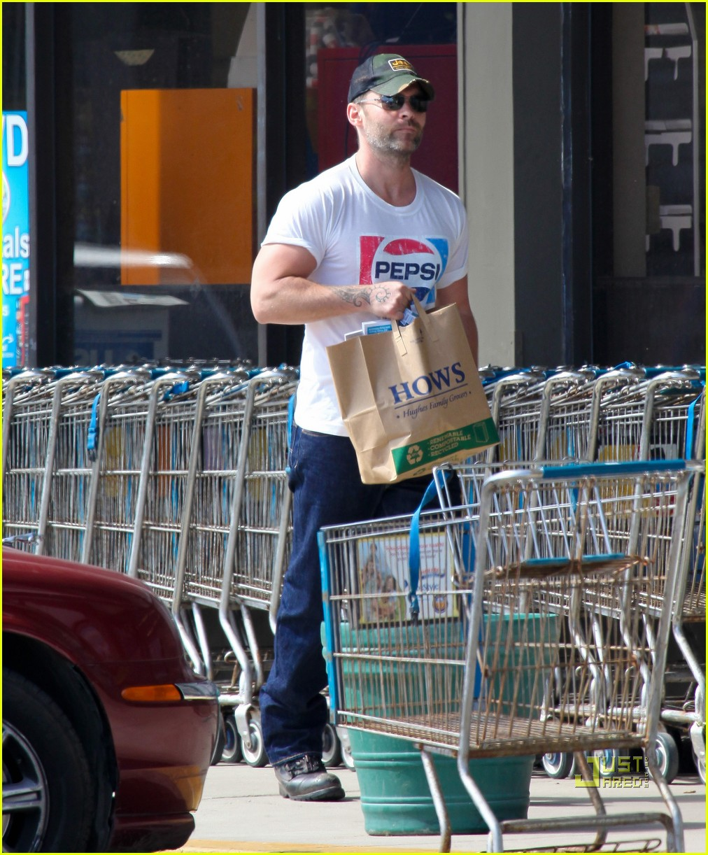 seann william scott pepsi shirt grocery store 102541740