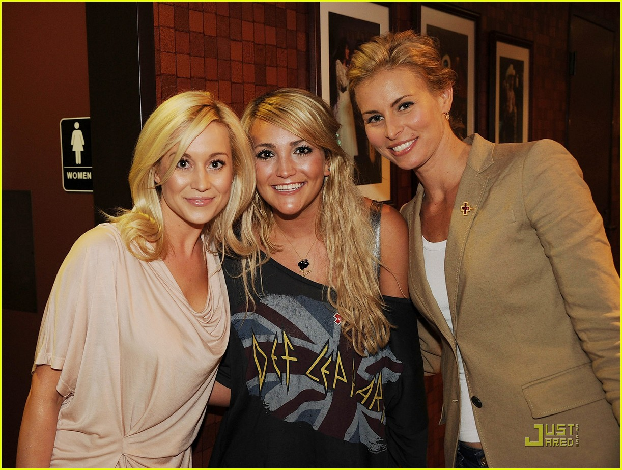 jamie lynn spears disaster relief 02