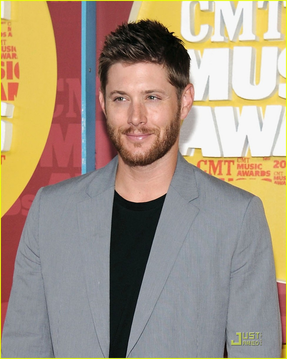 jensen ackles danneel harris cmt music awards 01