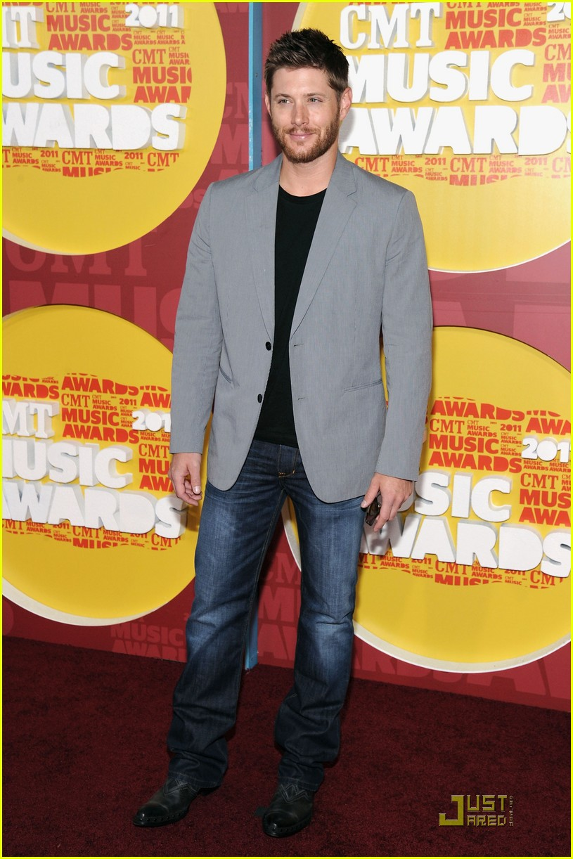 jensen ackles danneel harris cmt music awards 04
