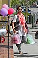 jessica alba shops bel bambini 01