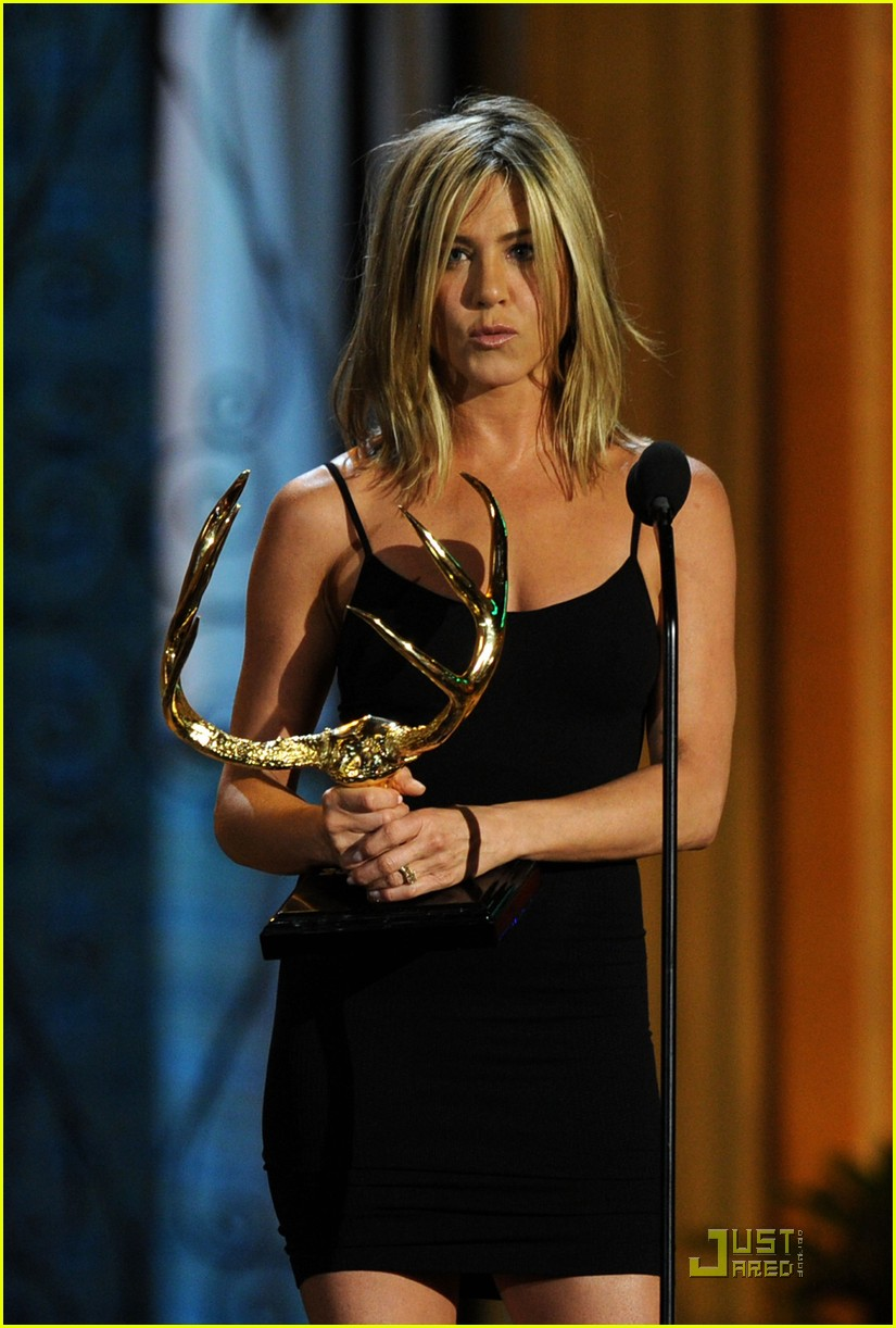 jennifer aniston guys choice 01