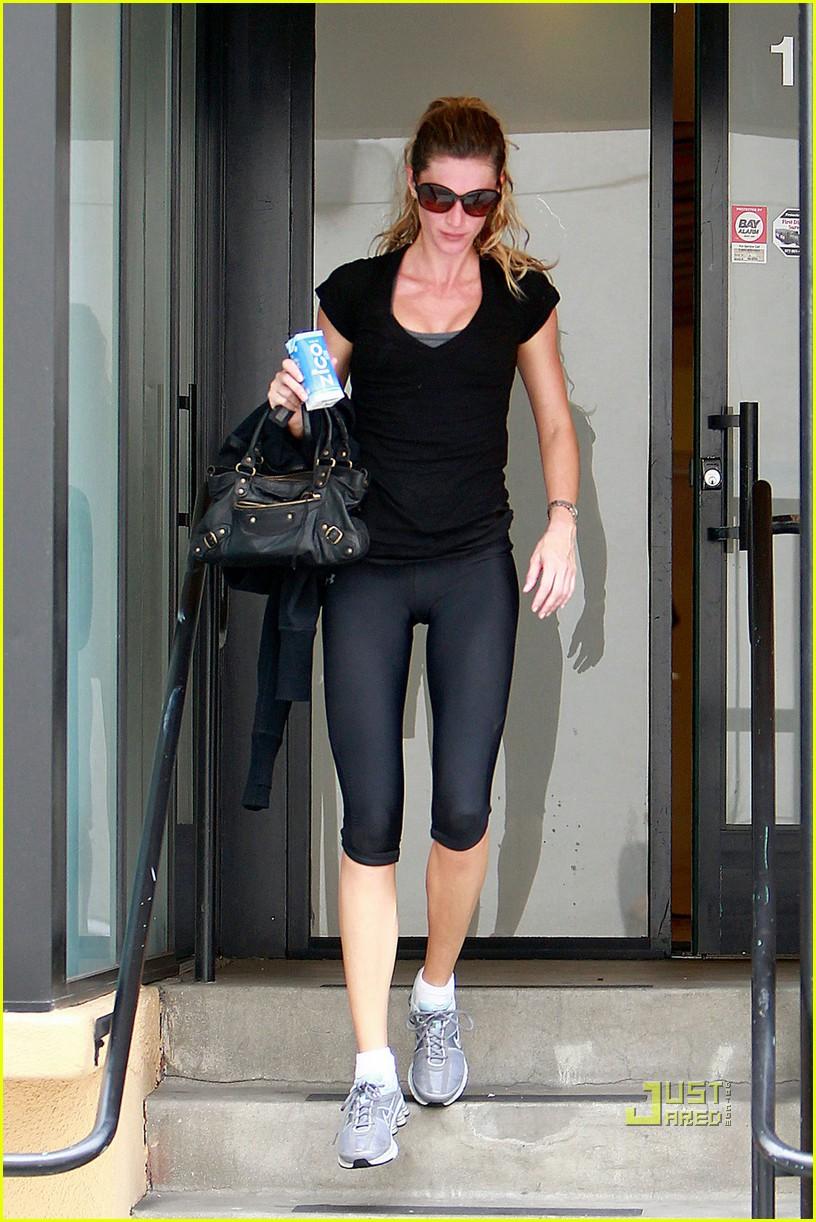 Gisele Bundchen: Zico Coconut Water After Workout!: Photo ... Gisele Bundchen Workout
