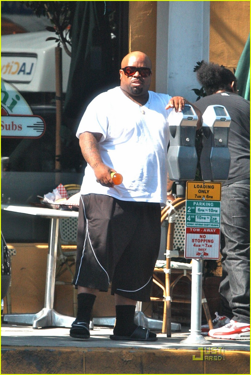cee lo green drops out of rihanna tour 01