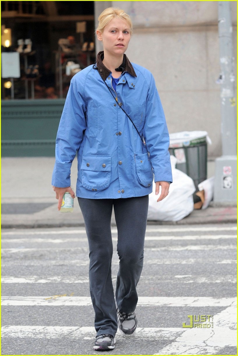 claire danes hugh dancy soho stroll 04