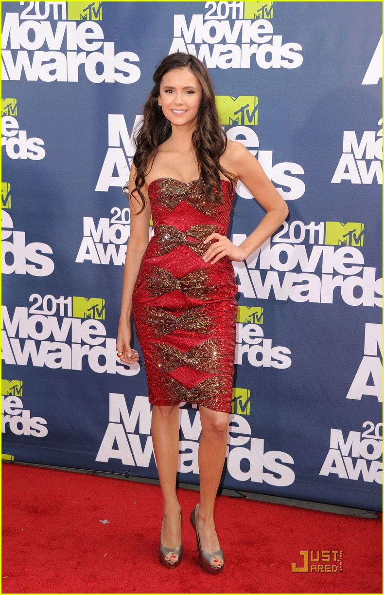 nina dobrev mtv movie awards 05