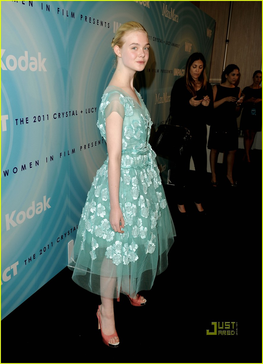 elle fanning crystal lucy women film awards 052553008