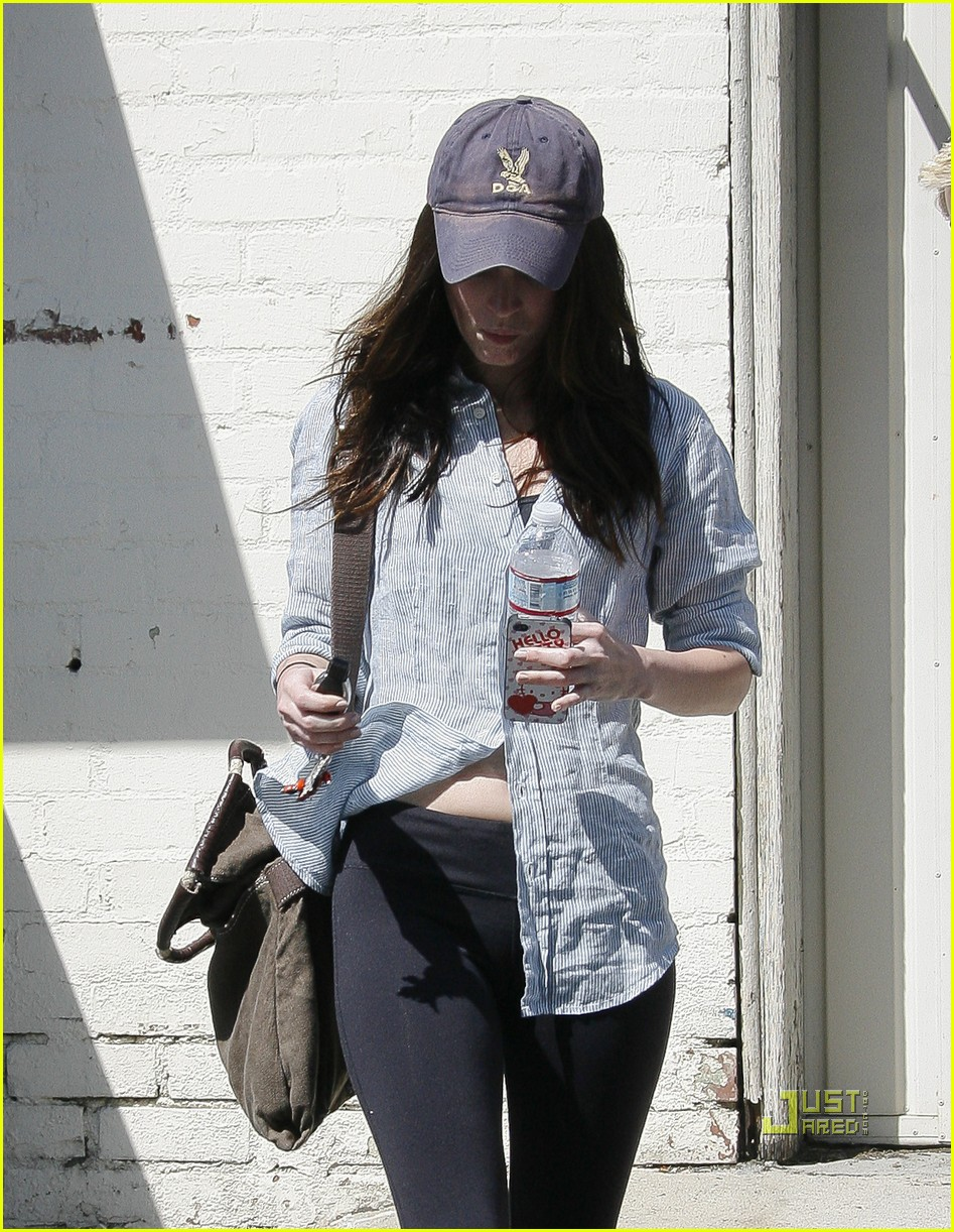 megan fox beverly hills salon 02