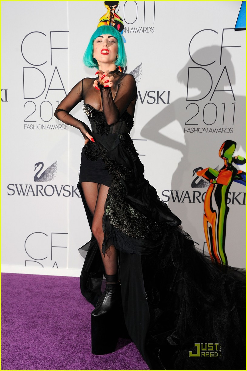 lady gaga cfda fashion awards 01