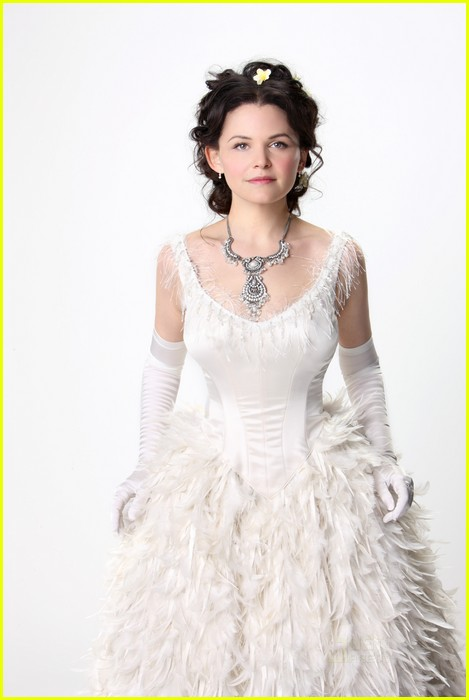 ginnifer goodwin jennifer morrison once upon time promo pics 01