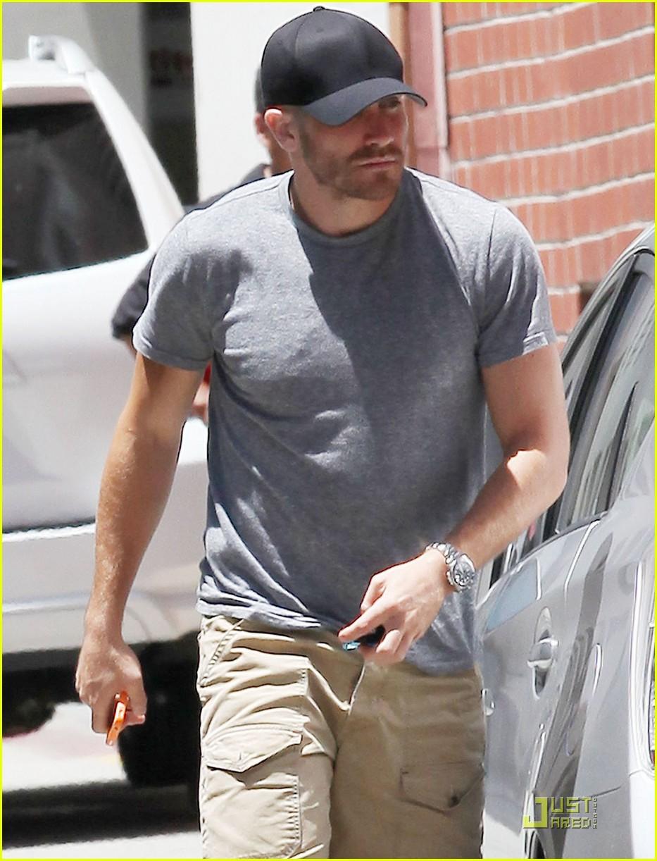 jake gyllenhaal low profile 05
