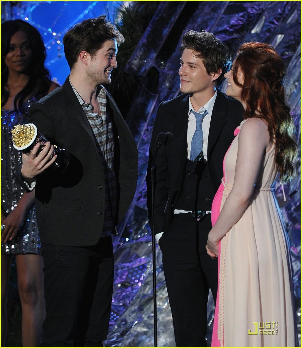 bryce dallas howard julia jones mtv movie awards 2011 06