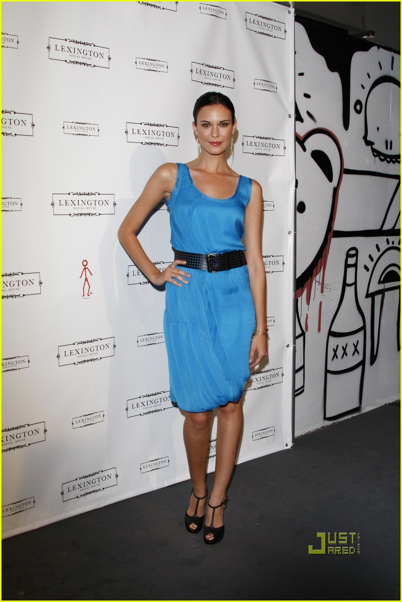 odette annable jaime king lexington social house 03