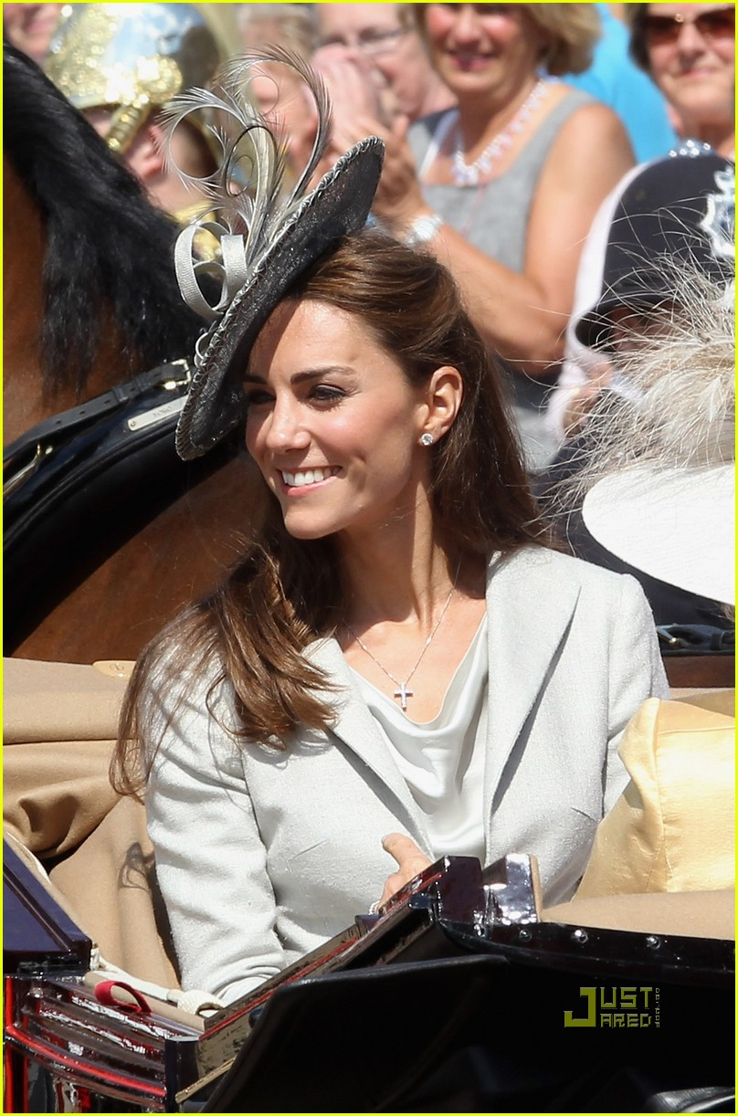 kate middleton prince william garter service 06