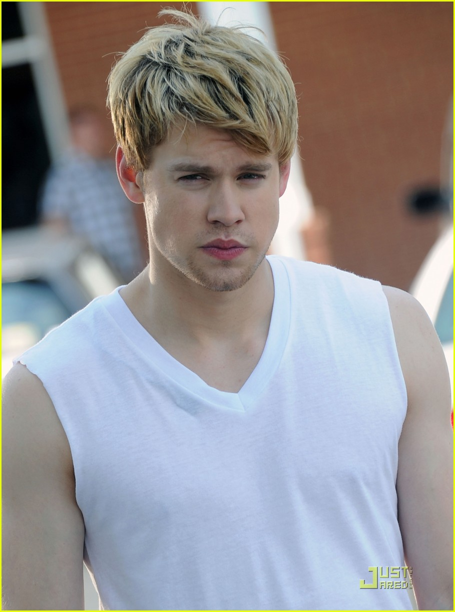 chord overstreet is brad pitt in thelma and louise spoof 06