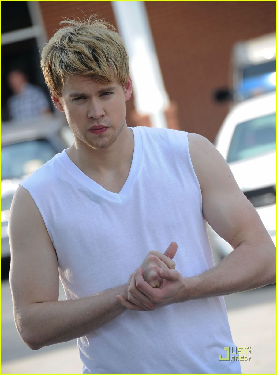 chord overstreet is brad pitt in thelma and louise spoof 07