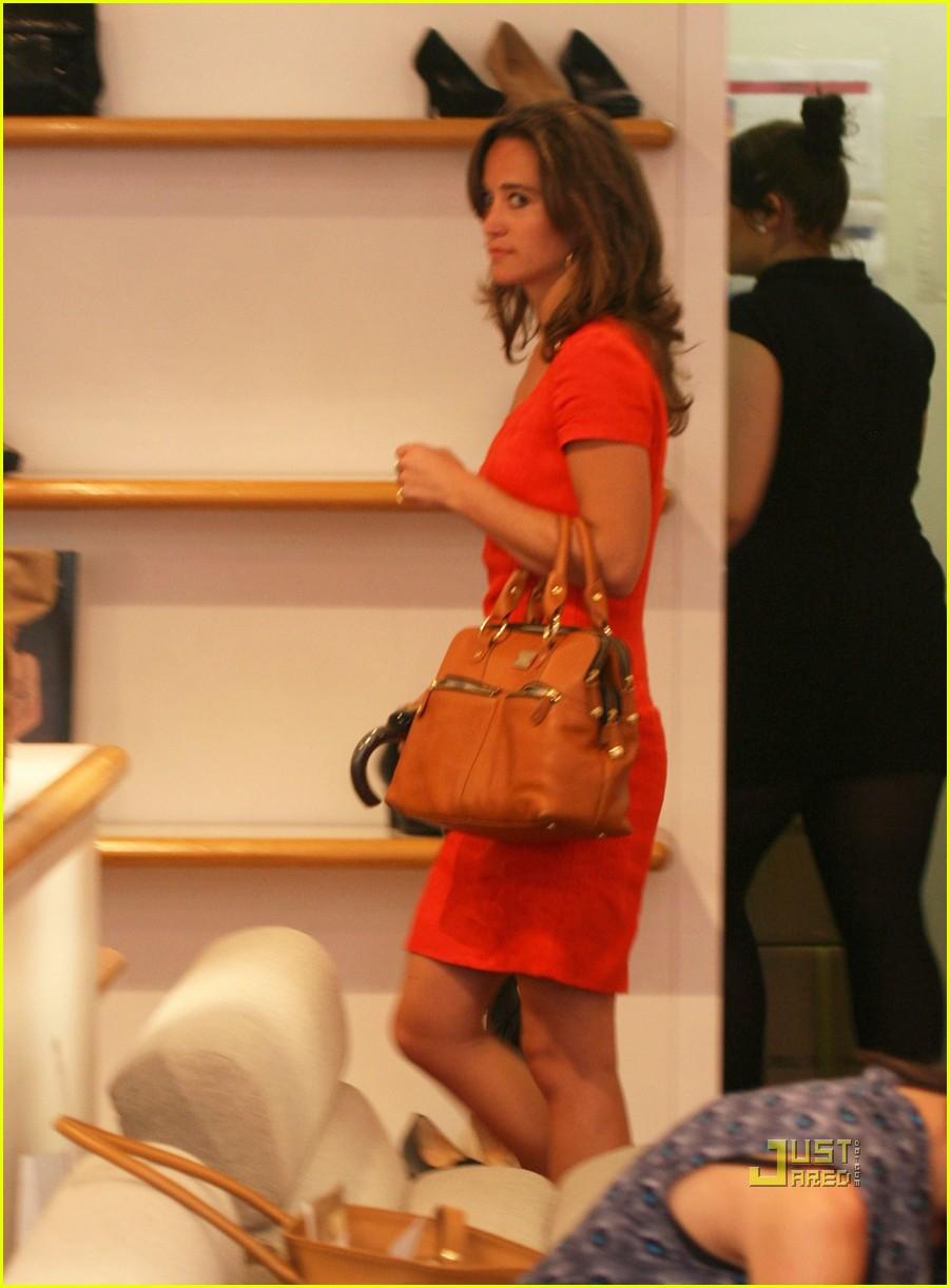 Full Sized Photo of pippa middleton shoe shopping 06 ...