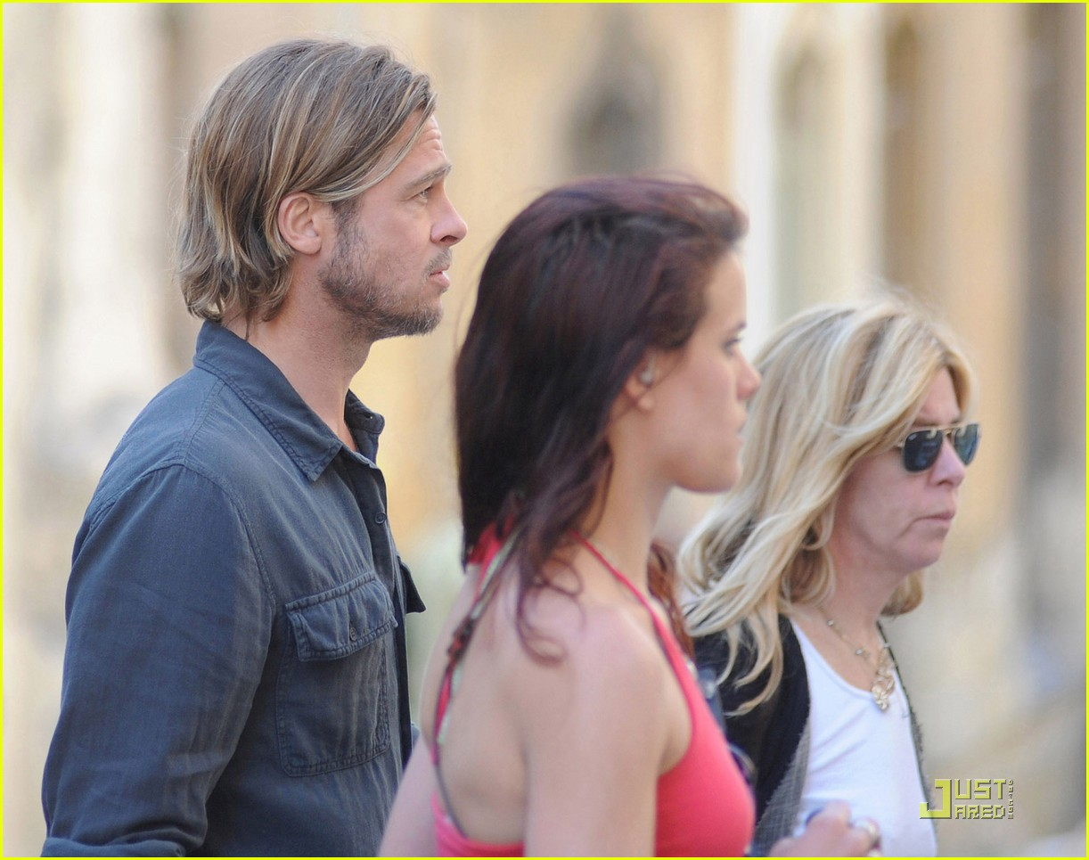 brad pitt world war z on set 02