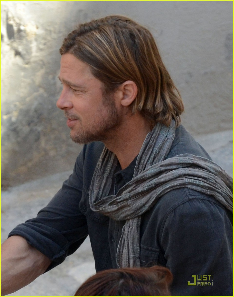 Pictures of Brad Pitt in World War z Brad Pitt World War z on Set