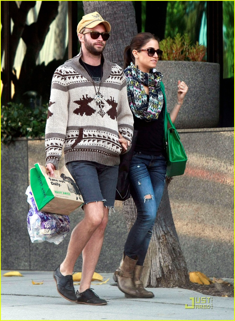 nikki reed paul mcdonald holding hands in hollywood 092551574