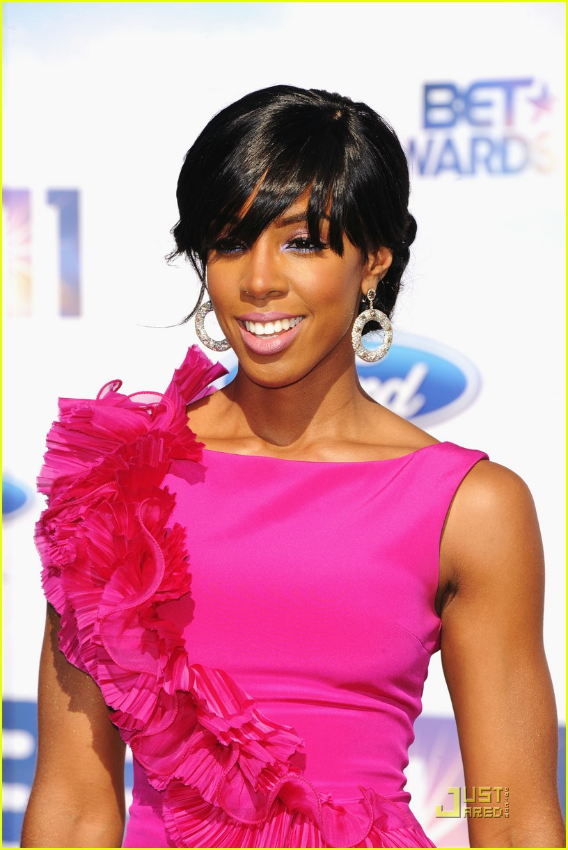 kelly rowland michelle williams bet awards 2011 02