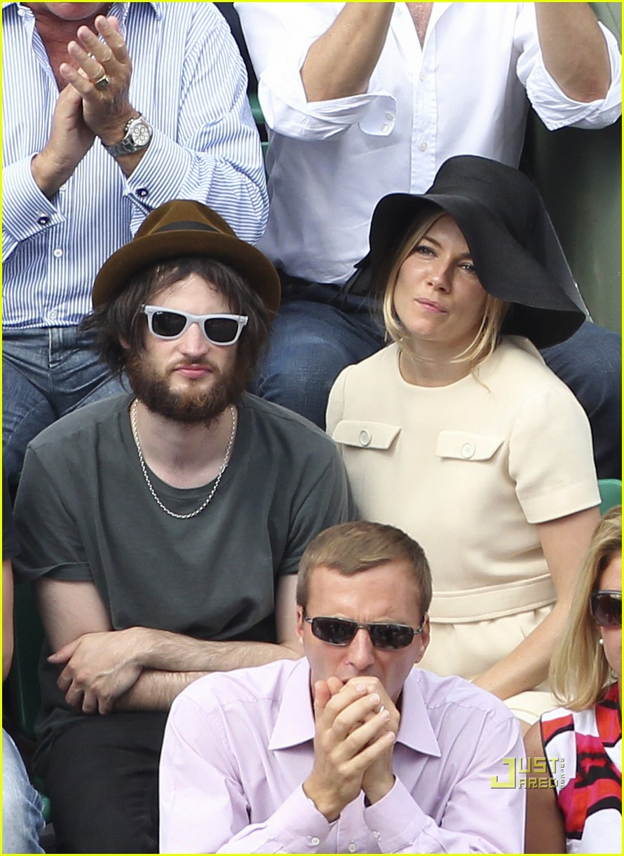 sienna miller tom sturridge french open 01